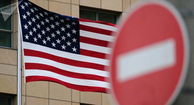 رویترز: آمریکا هم زمان با پیشنهاد یاری به ایران علیه این کشور تحریم وضع می نماید