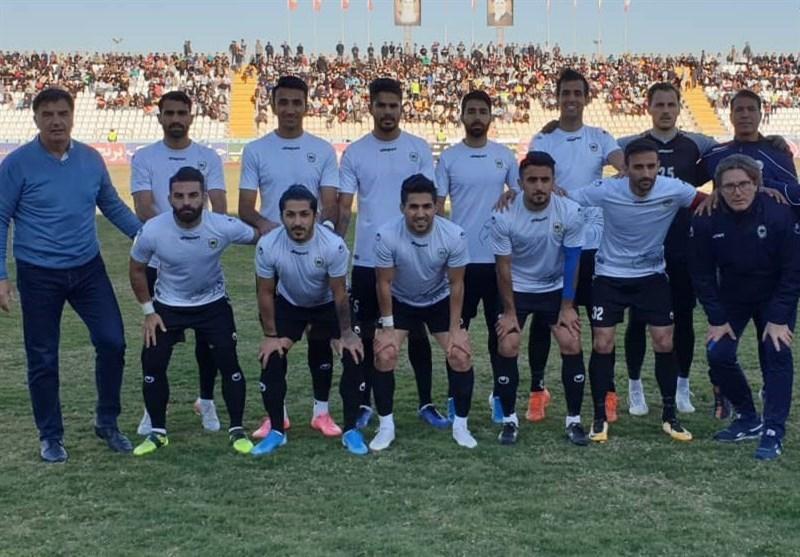باشگاه شاهین شهرداری بوشهر: لیگ برتر فوتبال تعطیل و فصل آینده با 16 یا 18 تیم برگزار گردد