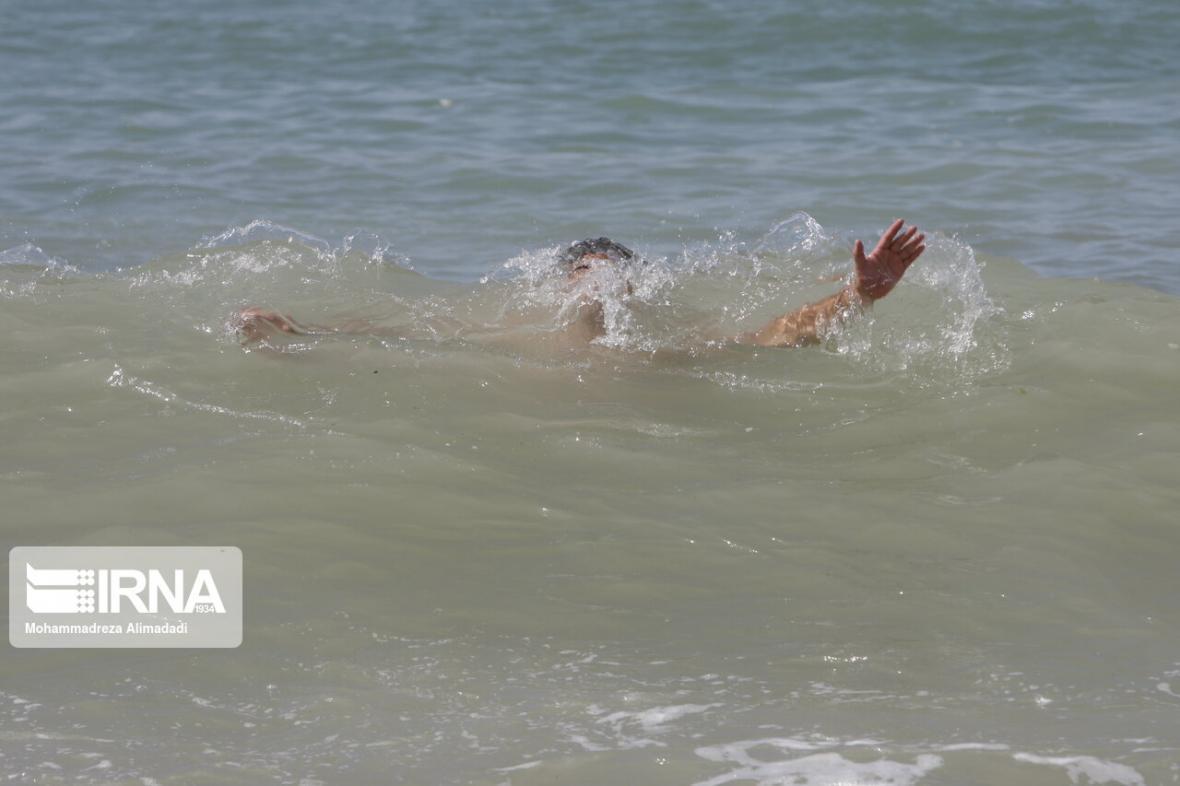 خبرنگاران مسافری در منطقه شنا ممنوع ساحل تالش غرق شد