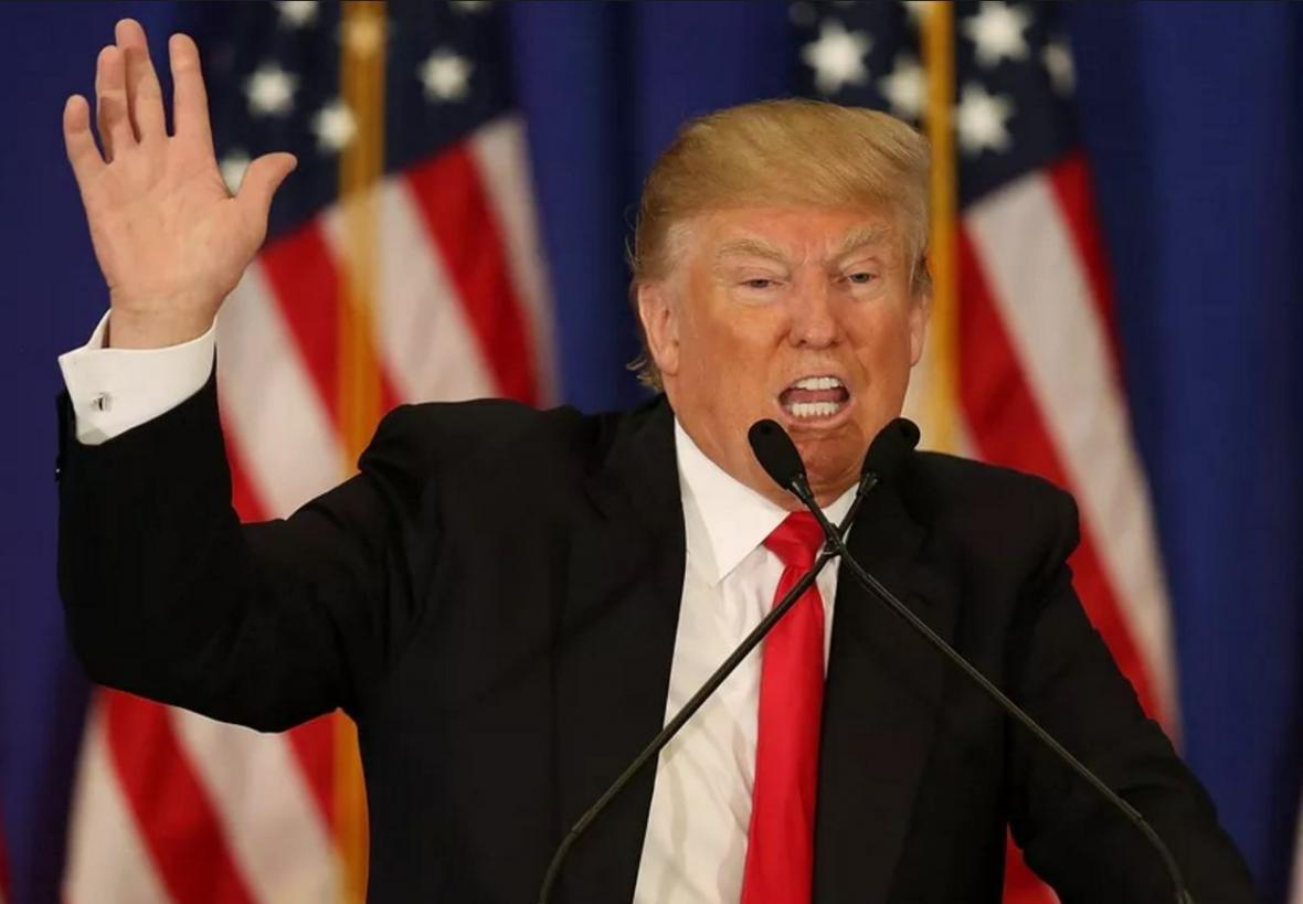 ترامپ بار دیگر بی کفایتی اش در موضوع کرونا را به گردن چین انداخت