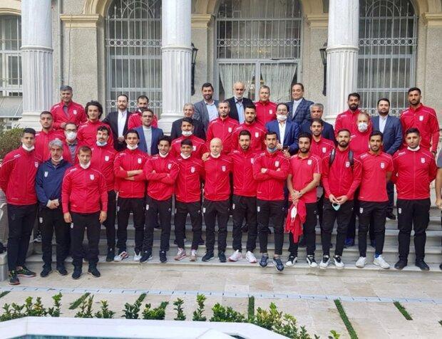 تیم ملی فوتبال ایران به تهران بازگشت