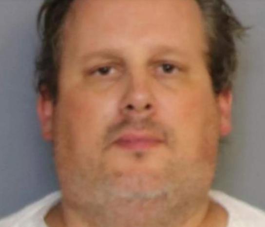 مرد بدهکاری که چهار عضو خانواده خود را به قتل رسانده