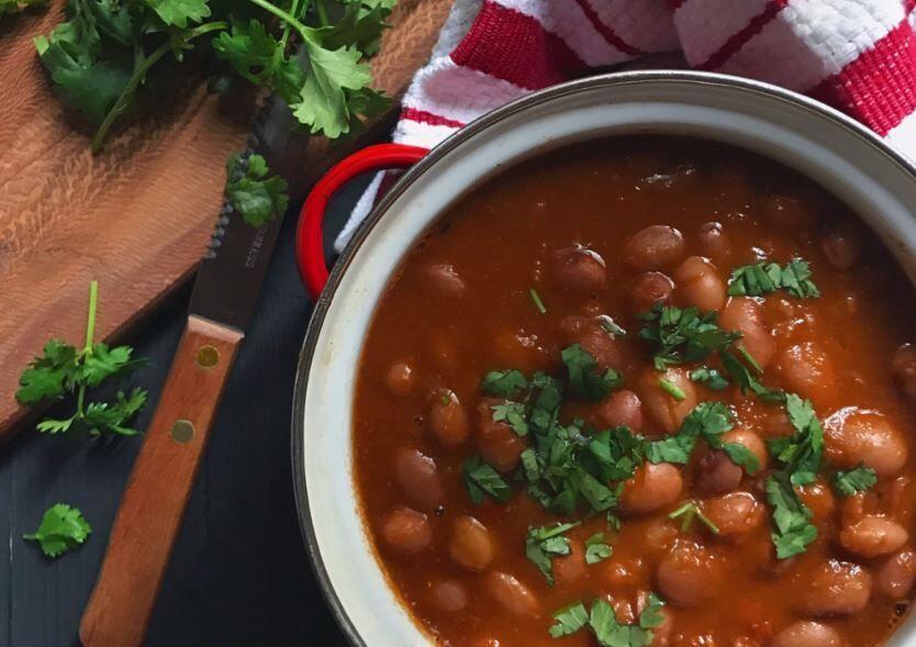 طرز تهیه لوبیا گرم یا خوراک لوبیا چیتی؛ از این راحت&zwnjتر نمی&zwnjشود!