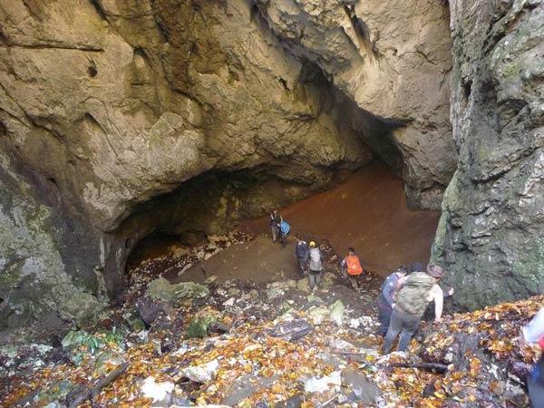 غار آویشو گیلان؛ زیبا، جذاب و شگفت انگیز