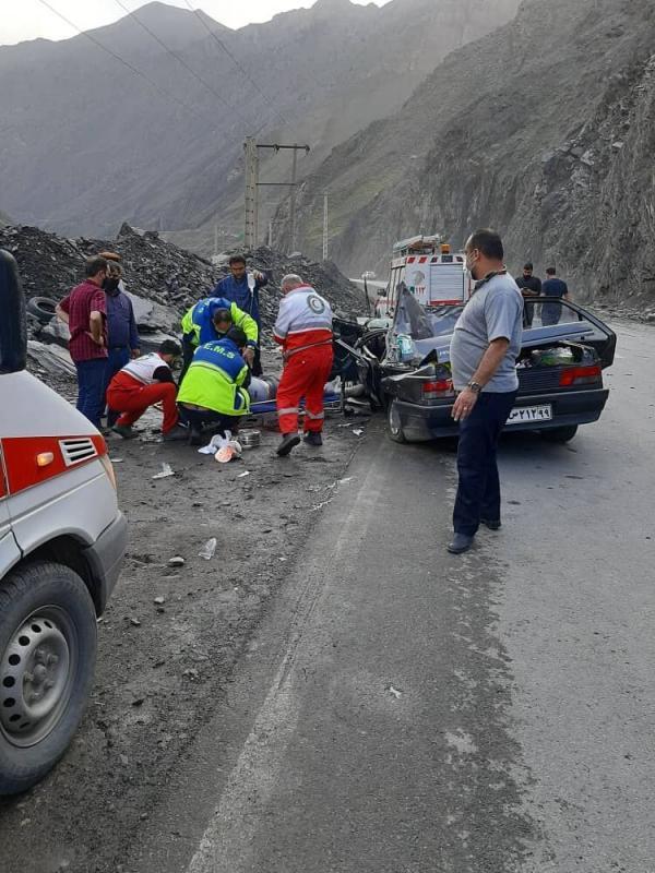 خبرنگاران ریزش سنگ در جاده هراز یک فوتی و چهار مصدوم برجای گذاشت