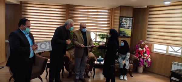 خبرنگاران معلمان نمونه شهرستان فردیس تجلیل شدند