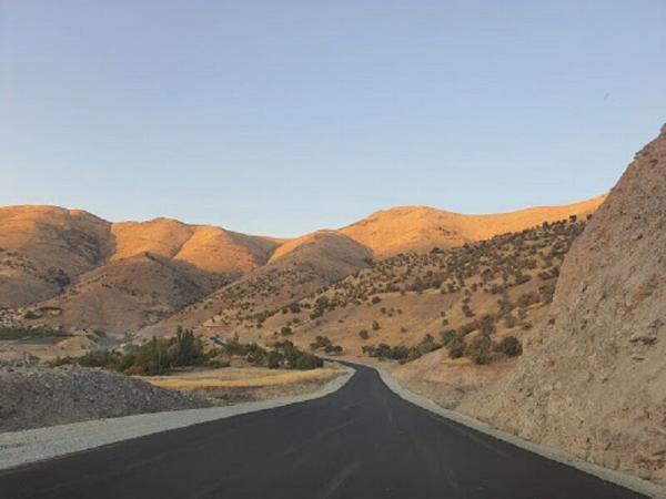 خبرنگاران استاندار کردستان: نقاط حادثه خیز جاده قدیم سنندج - مریوان رفع گردد