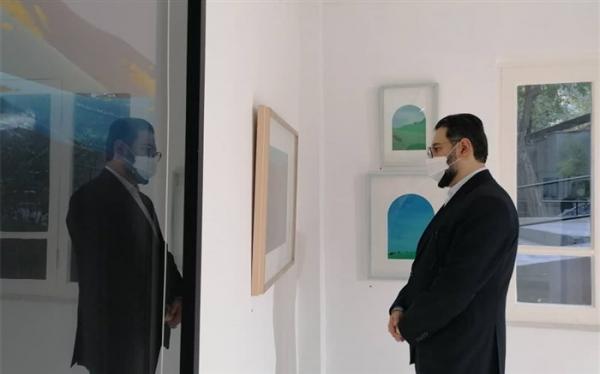 بازدید معاون هنری وزارت ارشاد از 2 نمایشگاه نقاشی