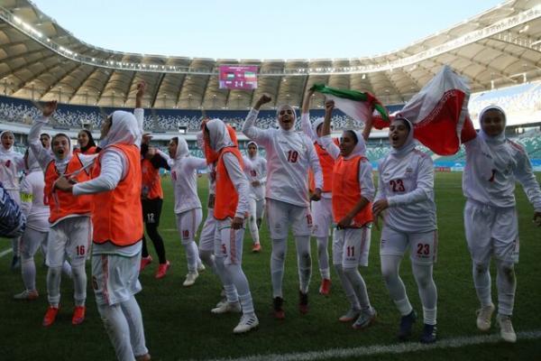 بهناز طاهرخوانی در بین ستاره های جام ملت های آسیا